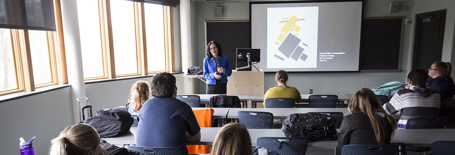 Art History and Criticism, BA, Martha Kearns teaching