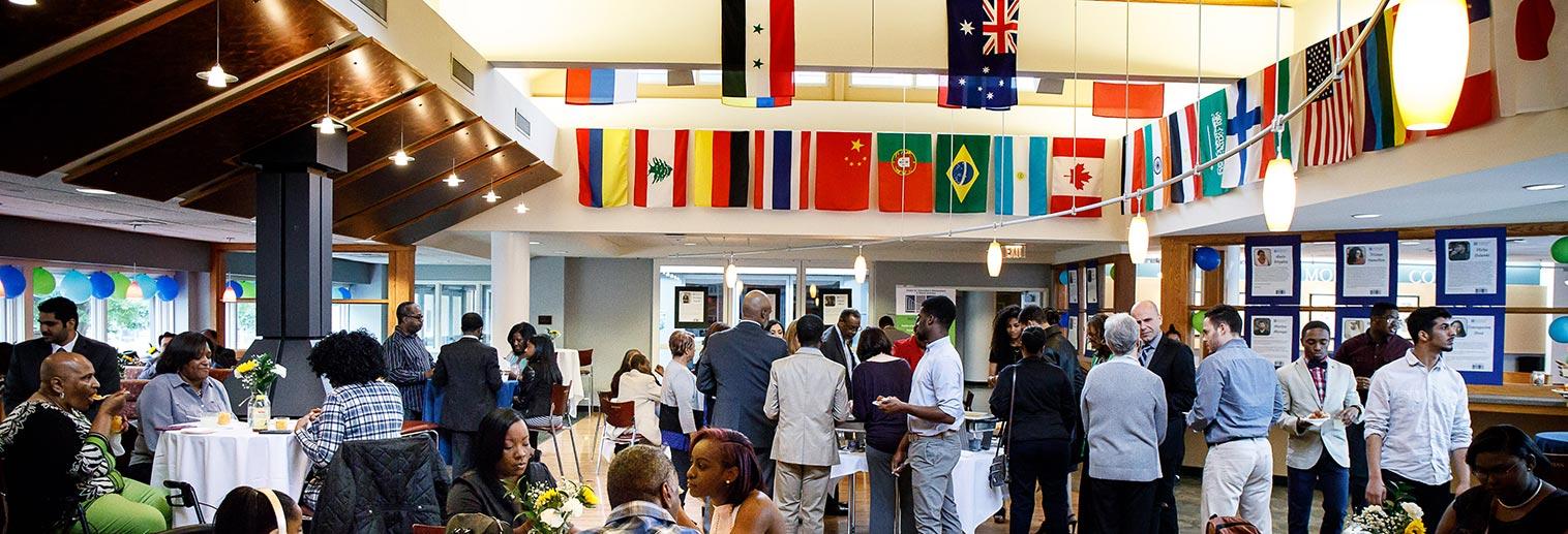 Intercultural Graduation in the HUB